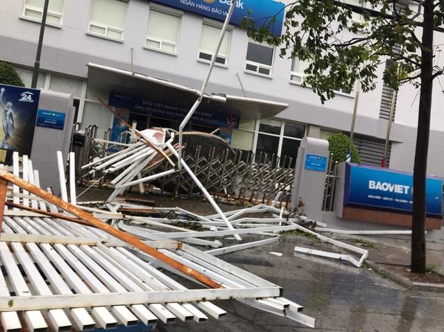 400 hộ dân bị chia cắt vì ngập lụt - 7