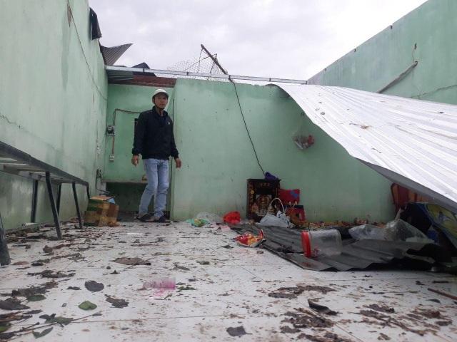 Quảng Ngãi: Nhà dân tan hoang sau bão số 9 - 12