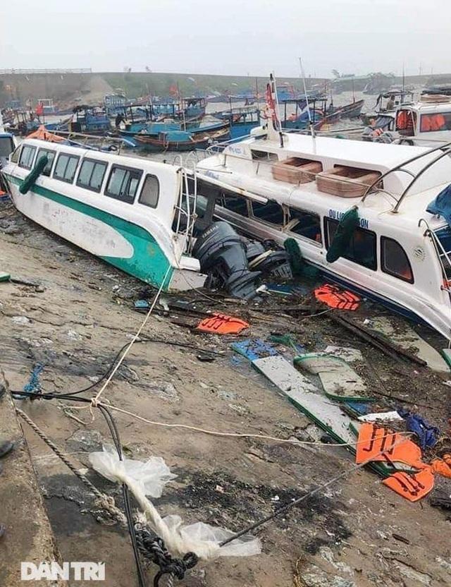 Đảo Lý Sơn tan hoang nhà cửa, tàu thuyền sau khi bão số 9 quét qua - 11