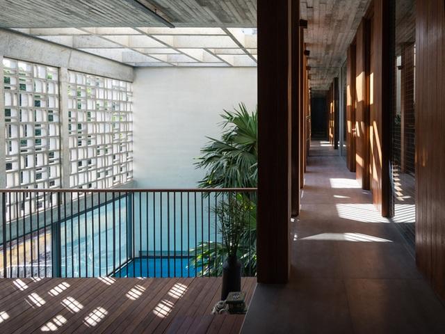 """Bể bơi và khu giải trí hoành tráng """"ẩn mình"""" trong căn biệt thự ở Sài Gòn - 10"""