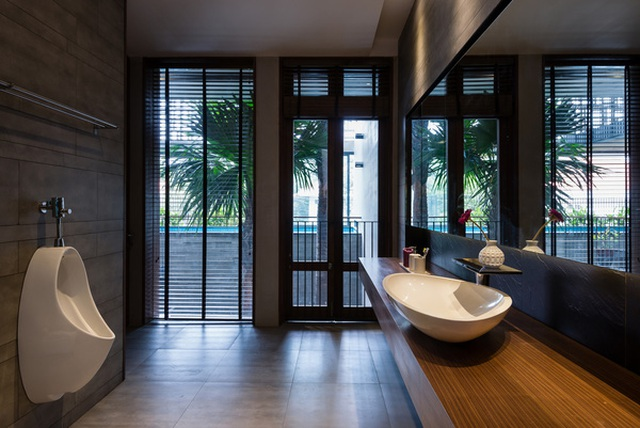 """Bể bơi và khu giải trí hoành tráng """"ẩn mình"""" trong căn biệt thự ở Sài Gòn - 12"""