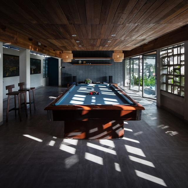 """Bể bơi và khu giải trí hoành tráng """"ẩn mình"""" trong căn biệt thự ở Sài Gòn - 13"""
