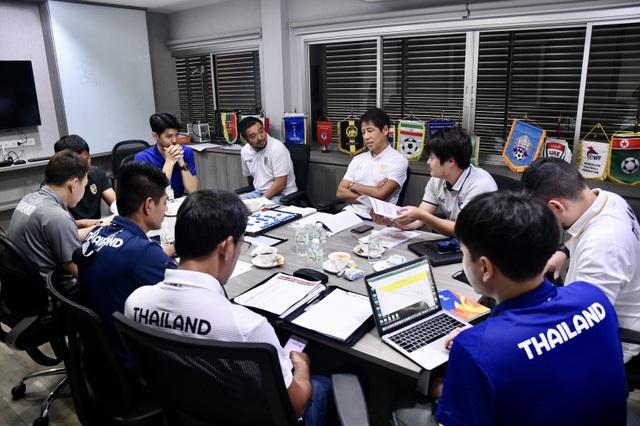HLV Nishino công bố danh sách 59 cầu thủ tập trung đội tuyển Thái Lan - 2