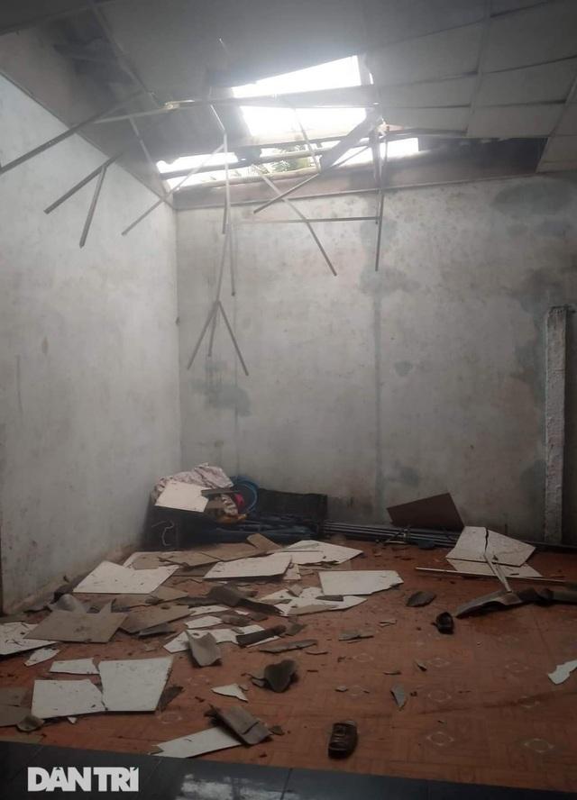Quảng Ngãi: Nhà dân tan hoang sau bão số 9 - 11