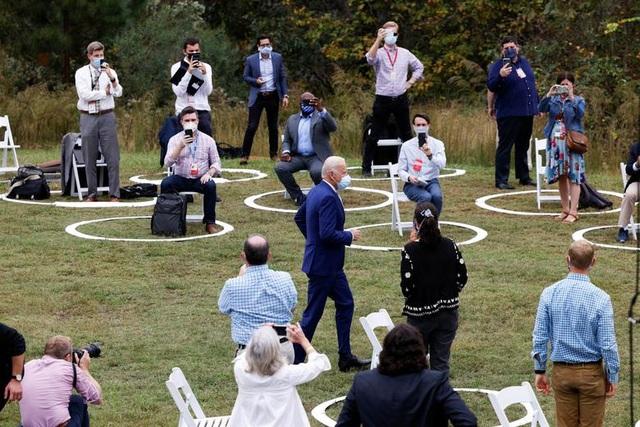 """Bầu cử Mỹ 2020: Trump - Biden tăng tốc, tung """"vũ khí"""" trong chặng nước rút - 6"""