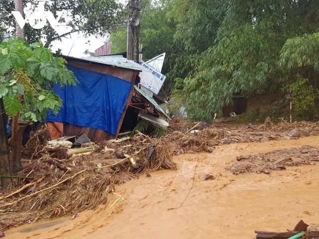 Quảng Nam sạt lở đất, nhiều người bị vùi lấp, Thủ tướng lệnh cứu hộ khẩn - 1