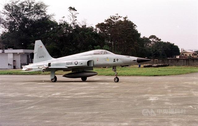Rơi máy bay làm phi công tử nạn, Đài Loan cấm bay toàn bộ tiêm kích F-5E - 1