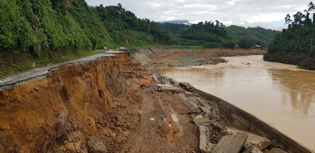 11 người bị núi vùi lấp ở huyện Phước Sơn, đã tìm thấy 5 thi thể - 5