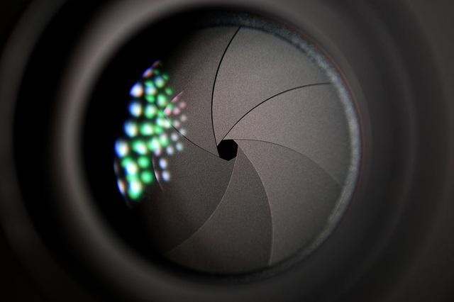 Thỏa mãn thính giác với tiếng màn trập của những mẫu máy ảnh siêu cổ - 1