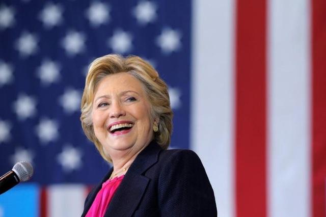 Bà Hillary thành đại cử tri, tuyên bố góp 1 lá phiếu cho ông Biden - 1