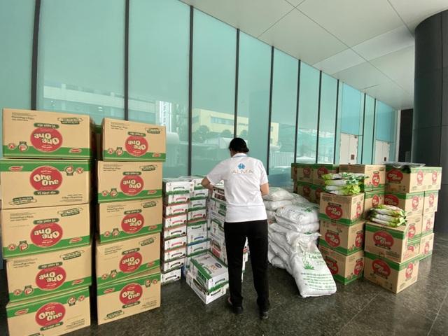 Công ty Vịnh Thiên Đường đóng góp sức người sức của cùng quỹ HOPE hướng về miền Trung - 1