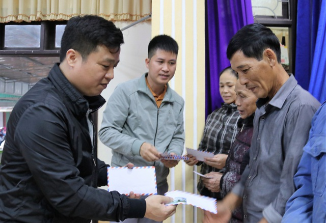 Bạn đọc Dân trí giúp đỡ người dân Hà Tĩnh bị lũ lụt 400 triệu đồng - 7