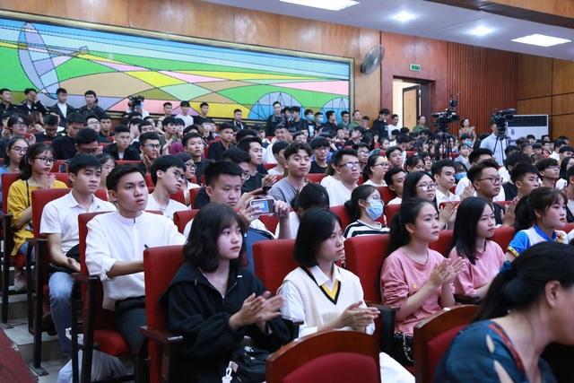 Trường ĐH Giao thông Vận tải kêu gọi hướng về đồng bào miền Trung - 3