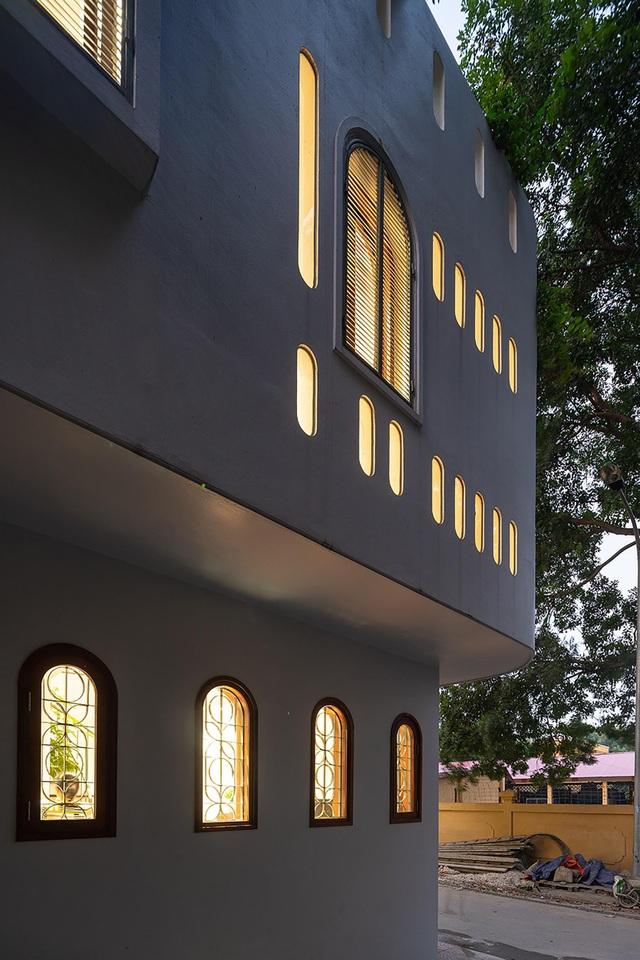 Căn biệt thự trắng có mặt tiền cong độc đáo, nổi bật nhất khu phố ở Hà Nội - 10