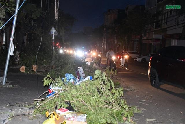 Quảng Ngãi: Hàng ngàn hộ dân với cuộc sống không ánh đèn điện - 3