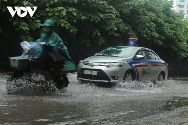 Đi xe máy mùa mưa bão cần lưu ý điều gì? - 3