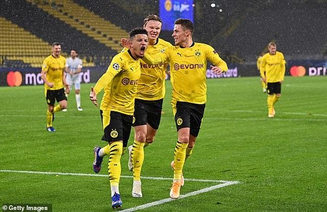 Sancho và Haaland cùng nổ súng giúp Dortmund thắng trận đầu tiên - 2