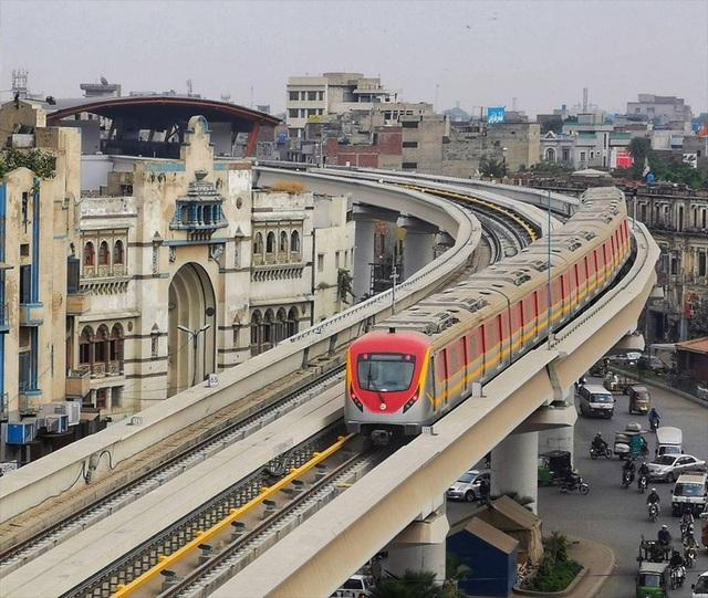 Tuyến Metro đầu tiên của Pakistan do Trung Quốc đầu tư chính thức lăn bánh - 1