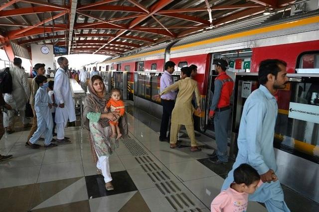 Tuyến Metro đầu tiên của Pakistan do Trung Quốc đầu tư chính thức lăn bánh - 2