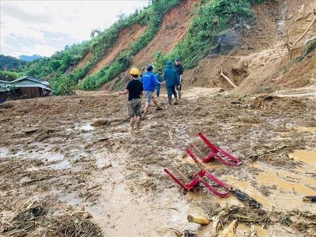 11 người bị núi vùi lấp ở huyện Phước Sơn, đã tìm thấy 5 thi thể - 4