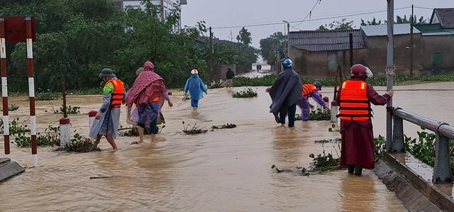 Nước sông Lam dâng cao đêm nay nguy cơ nhấn chìm hàng ngàn hộ dân ngoài đê - 2