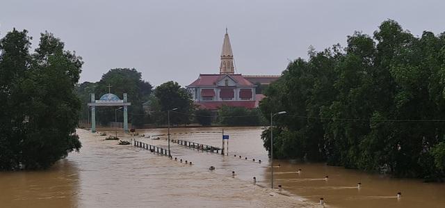 Nước sông Lam dâng cao đêm nay nguy cơ nhấn chìm hàng ngàn hộ dân ngoài đê - 3