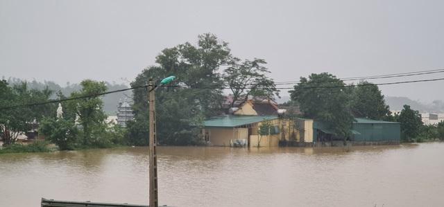 Nước sông Lam dâng cao đêm nay nguy cơ nhấn chìm hàng ngàn hộ dân ngoài đê - 5