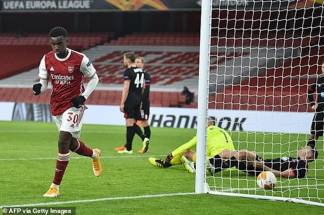Tottenham thua sốc, Filip Nguyễn thủng lưới tới 5 lần ở Europa League - 2