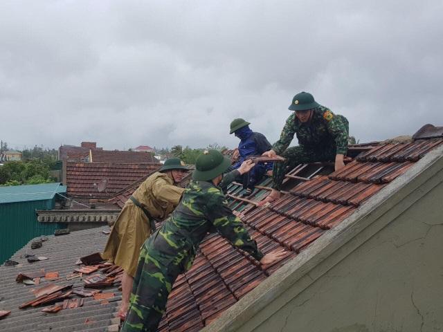 Sạt lở nhiều nơi, Hà Tĩnh khẩn trương di dời dân - 6