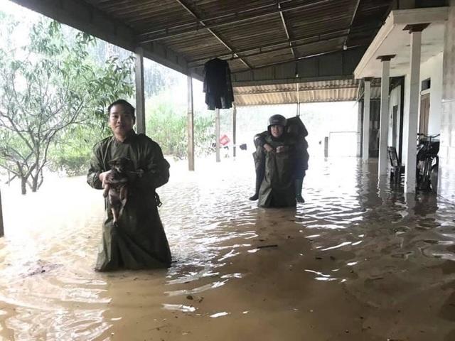 Sạt lở nhiều nơi, Hà Tĩnh khẩn trương di dời dân - 4