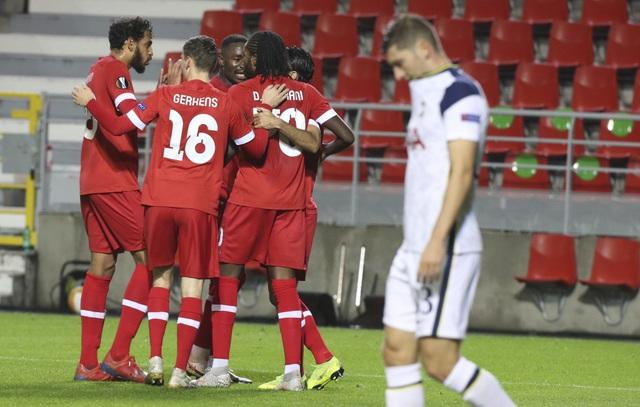 Tottenham thua sốc, Filip Nguyễn thủng lưới tới 5 lần ở Europa League