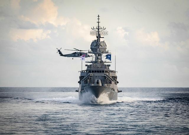 Tàu chiến Mỹ - Australia tập trận tại Biển Đông - 2
