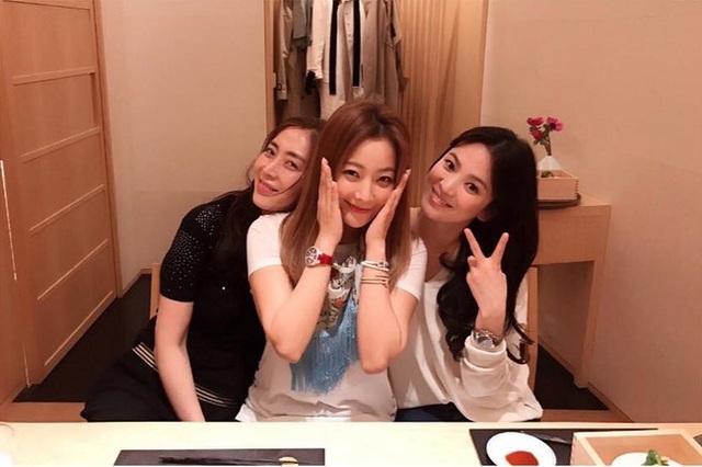 Kim Hee Sun - Mỹ nhân nhận mình đẹp hơn Song Hye Kyo, Kim Tae Hee - 3