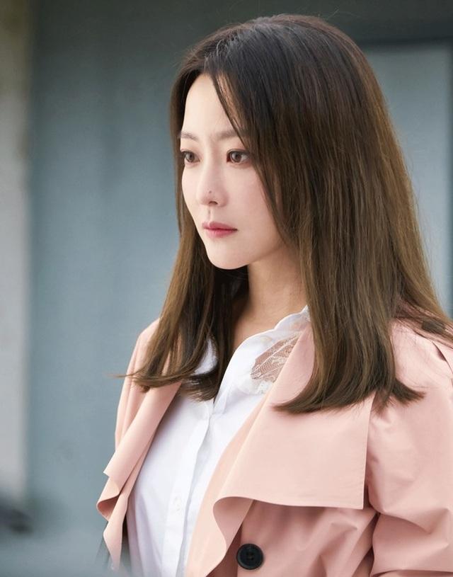 Kim Hee Sun - Mỹ nhân nhận mình đẹp hơn Song Hye Kyo, Kim Tae Hee - 16