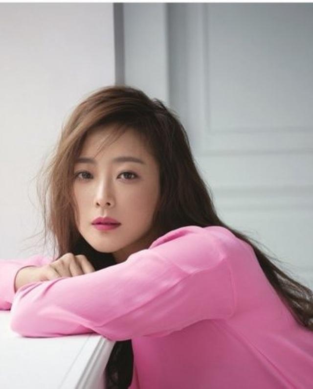 Kim Hee Sun - Mỹ nhân nhận mình đẹp hơn Song Hye Kyo, Kim Tae Hee - 27