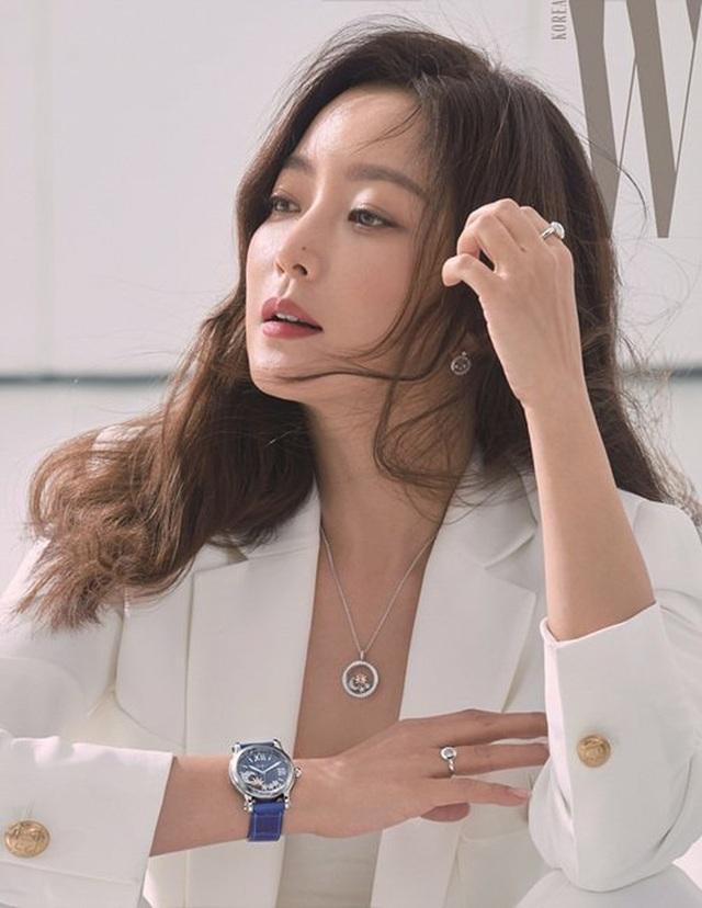 Kim Hee Sun - Mỹ nhân nhận mình đẹp hơn Song Hye Kyo, Kim Tae Hee - 10