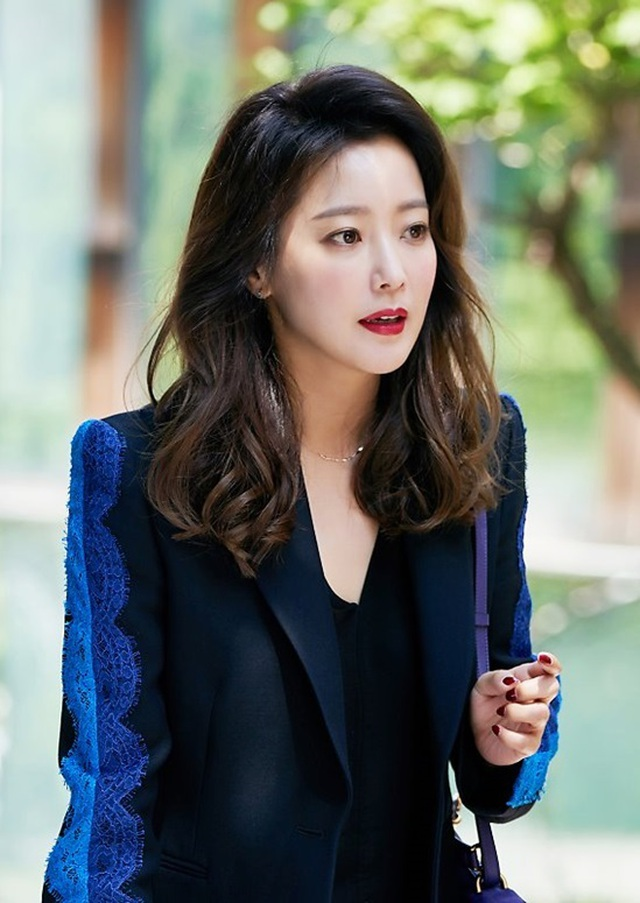 Kim Hee Sun - Mỹ nhân nhận mình đẹp hơn Song Hye Kyo, Kim Tae Hee - 18