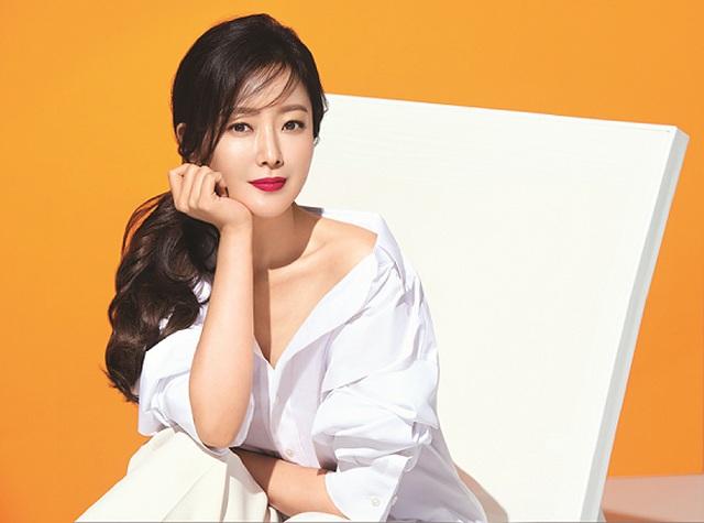 Kim Hee Sun - Mỹ nhân nhận mình đẹp hơn Song Hye Kyo, Kim Tae Hee - 5