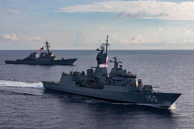 Tàu chiến Mỹ - Australia tập trận tại Biển Đông - 1