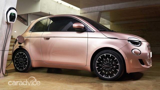 Fiat ra mắt tân binh 500e với thiết kế 3+1 - 6