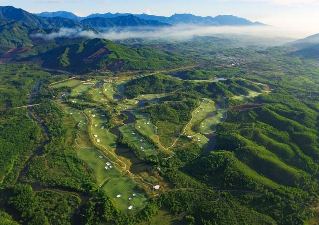 """Sân golf Bà Nà là  """"Sân Golf tốt nhất châu Á"""" - 1"""