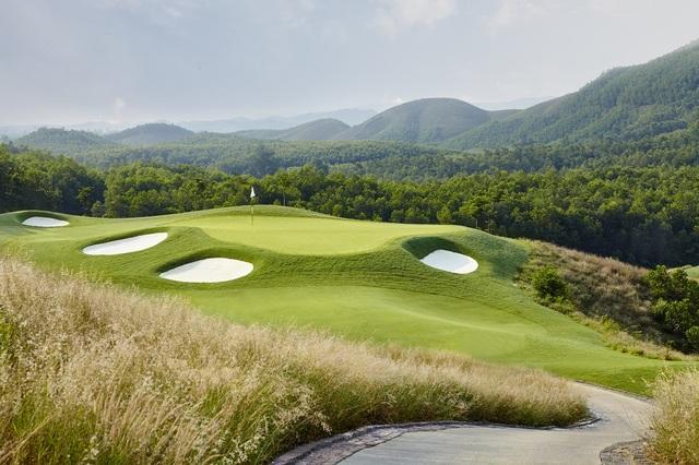 """Sân golf Bà Nà là  """"Sân Golf tốt nhất châu Á"""" - 2"""