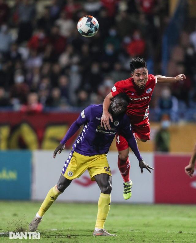 Ngôi vô địch V-League chỉ được quyết định ở vòng đấu cuối cùng? - 1