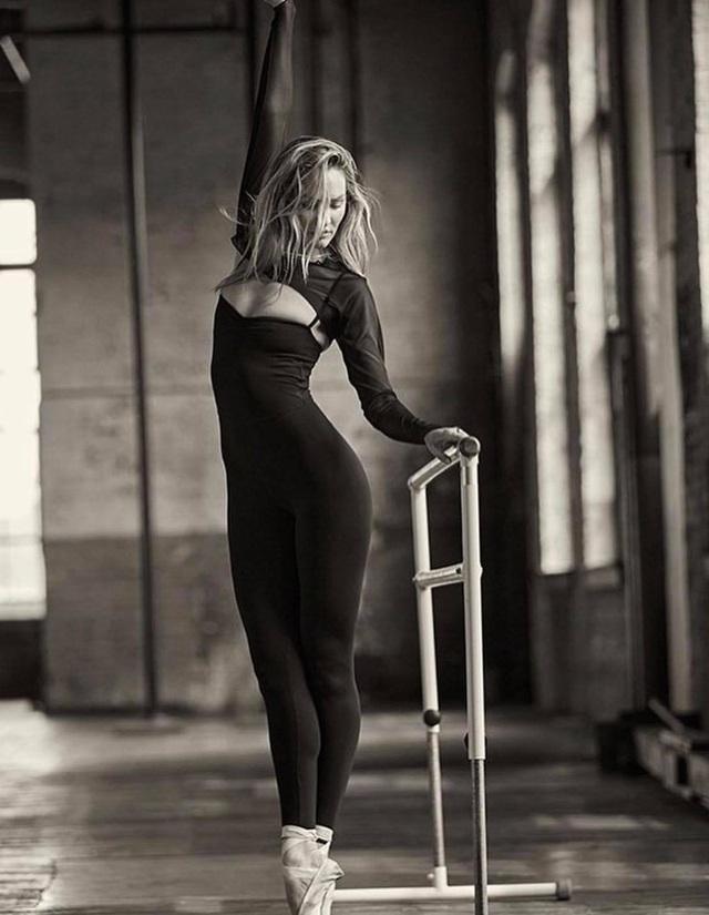 Candice Swanepoel hóa thành vũ công gợi cảm - 7