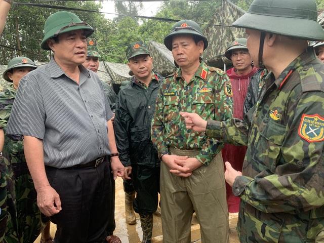 Sạt lở ở Trà Leng: Đoàn chuyên gia địa chất hỗ trợ tìm kiếm nạn nhân - 4