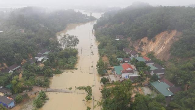 Toàn cảnh vùng rốn lũ huyện nghèo Thanh Chương nhìn từ Flycam - 12