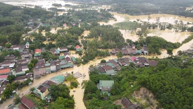 Toàn cảnh vùng rốn lũ huyện nghèo Thanh Chương nhìn từ Flycam - 6