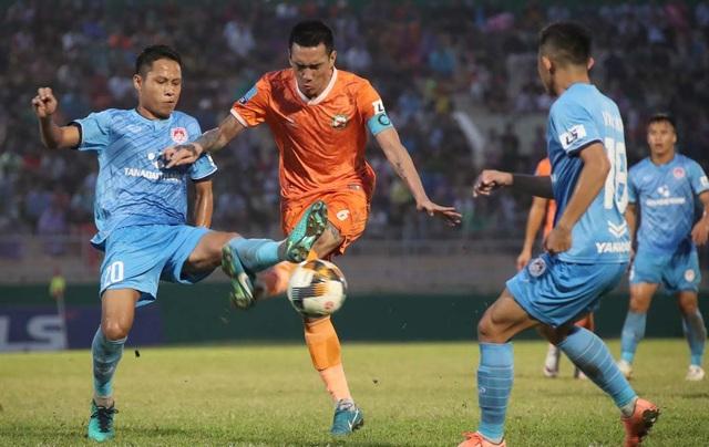 Niềm vui của bóng đá Bình Định ngày trở lại V-League - 1