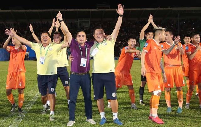 Niềm vui của bóng đá Bình Định ngày trở lại V-League - 10