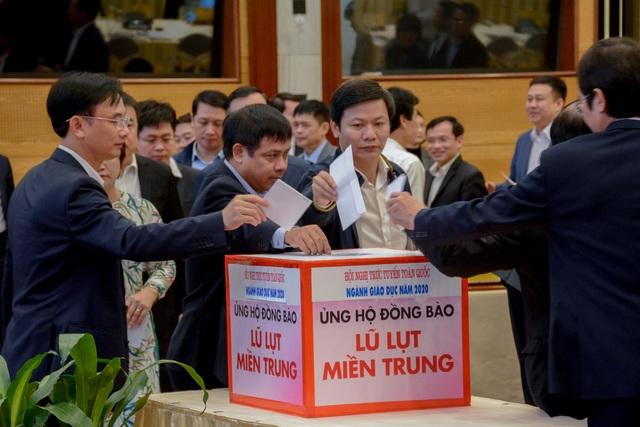 Bộ Giáo dục - Đào tạo kêu gọi ủng hộ sách, vở cho học sinh miền Trung - 2
